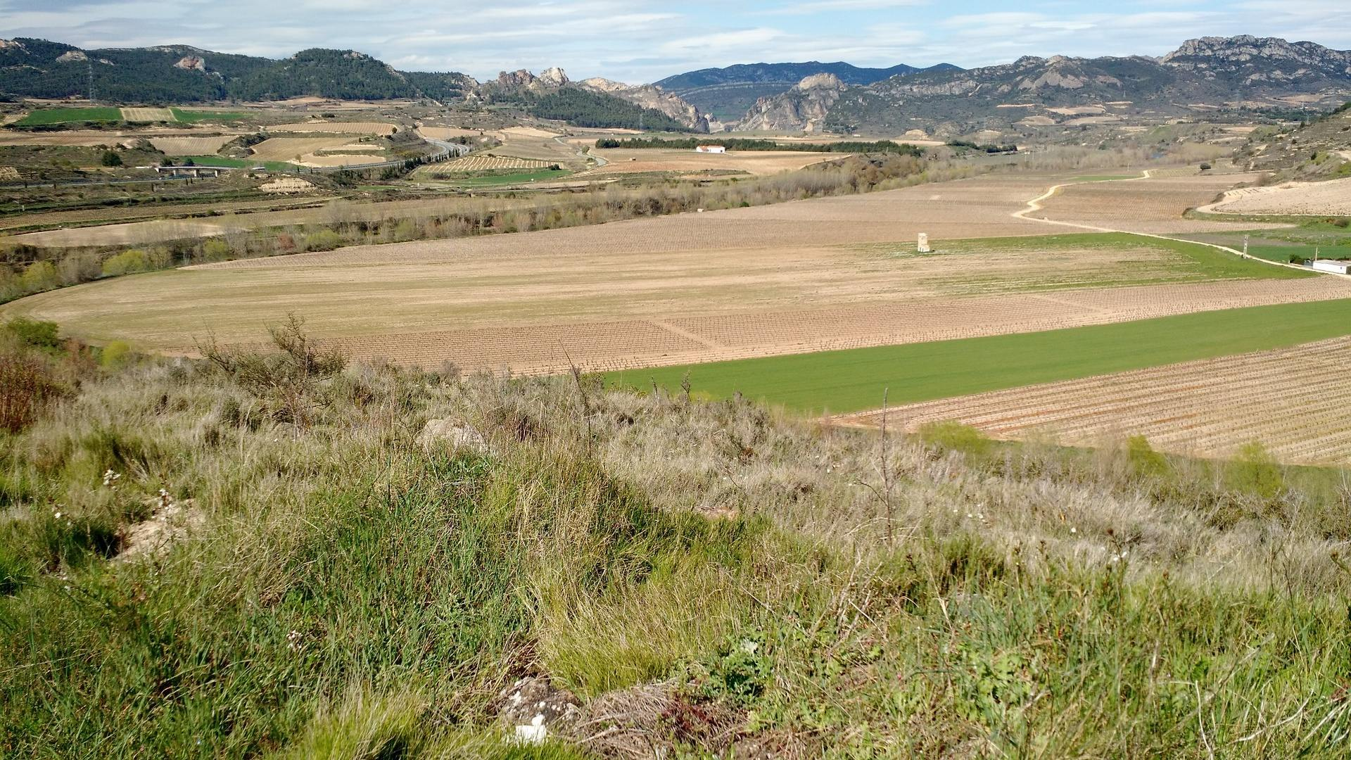 View from a plateau overlooking the Ebro